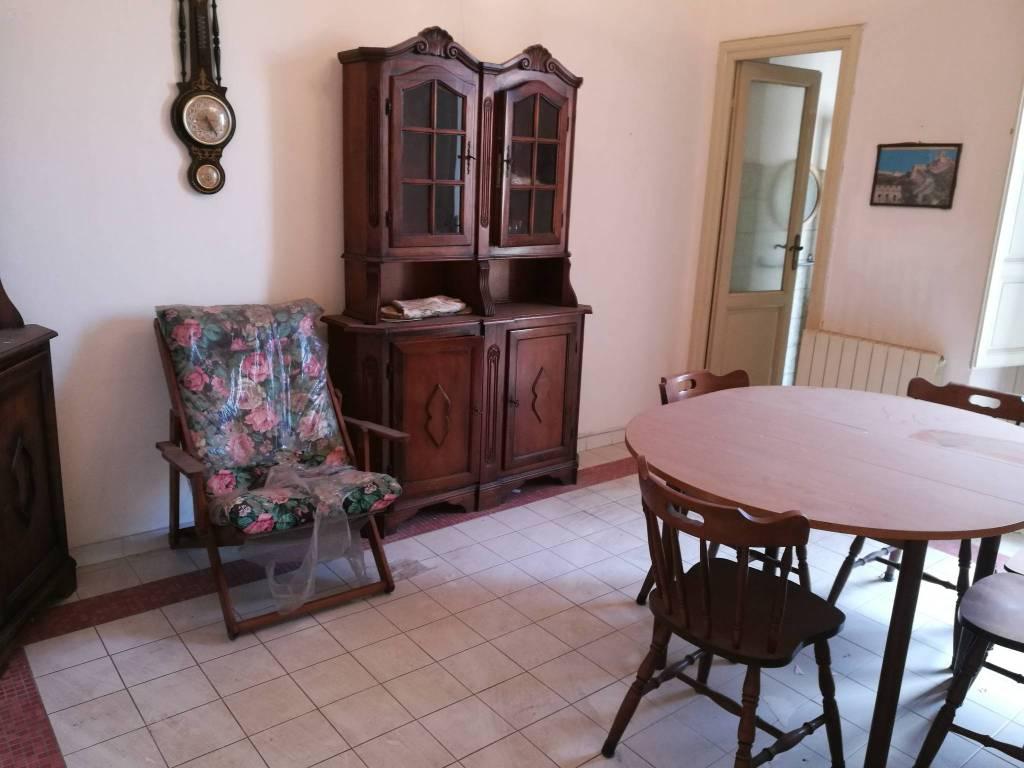 Appartamento in Vendita a Viareggio: 5 locali, 104 mq