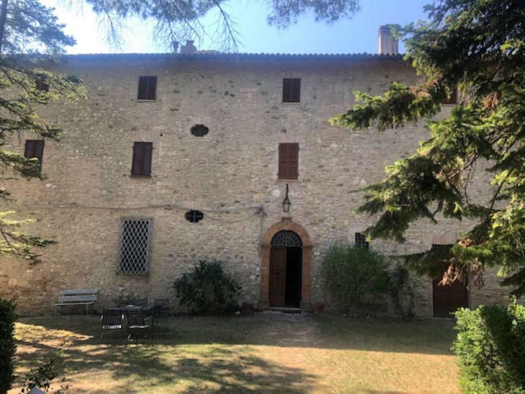 Appartamento in vendita a Todi, 3 locali, prezzo € 50.000 | CambioCasa.it