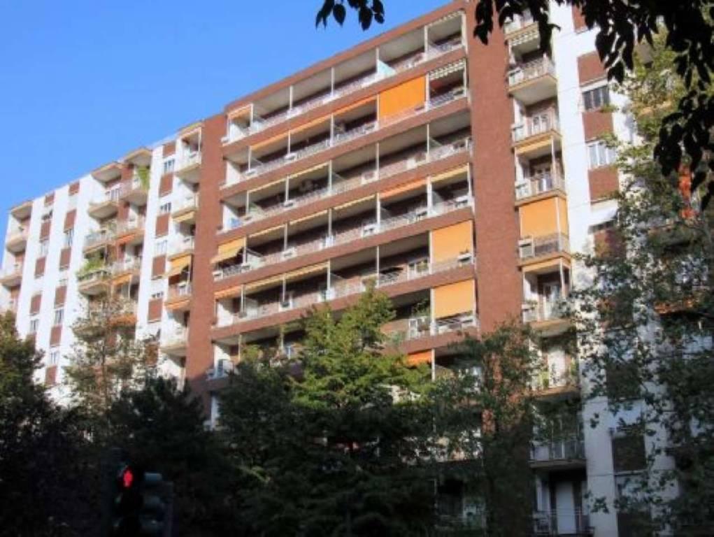 Foto 1 di Trilocale via Pozzo Strada 19, Torino (zona Parella, Pozzo Strada)