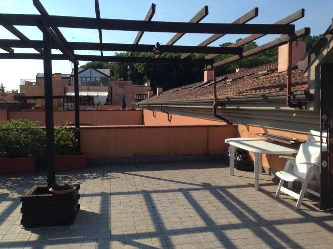 Appartamento in vendita a Ameglia, 7 locali, prezzo € 330.000 | PortaleAgenzieImmobiliari.it