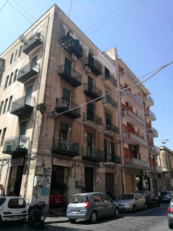 Appartamento in Vendita a Catania Centro: 3 locali, 90 mq
