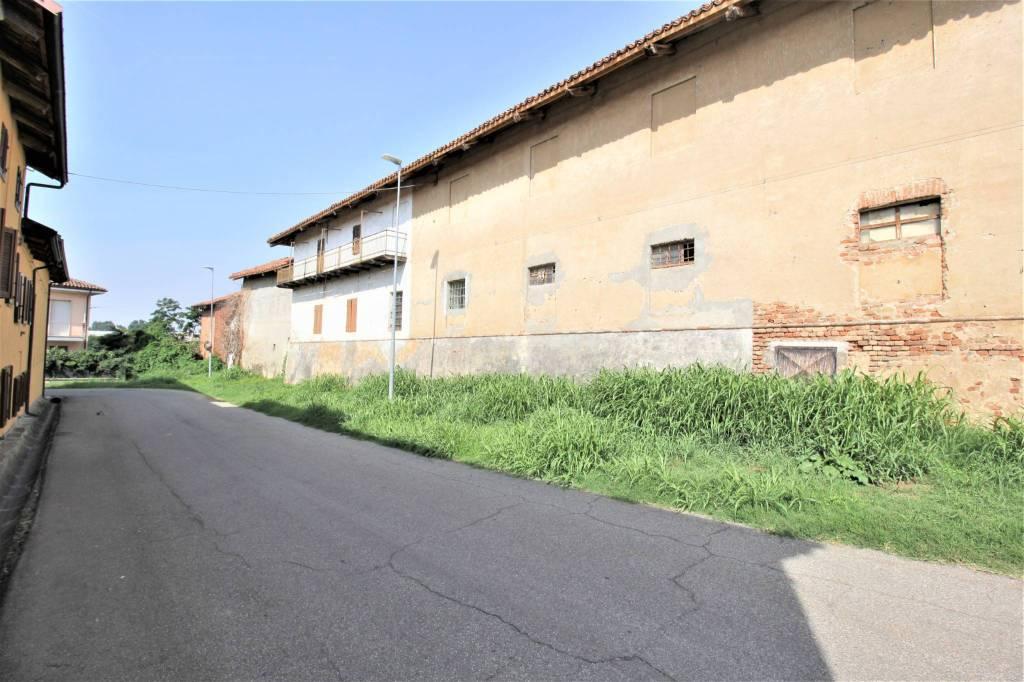 Foto 1 di Rustico / Casale via Cavour 5, Isolabella