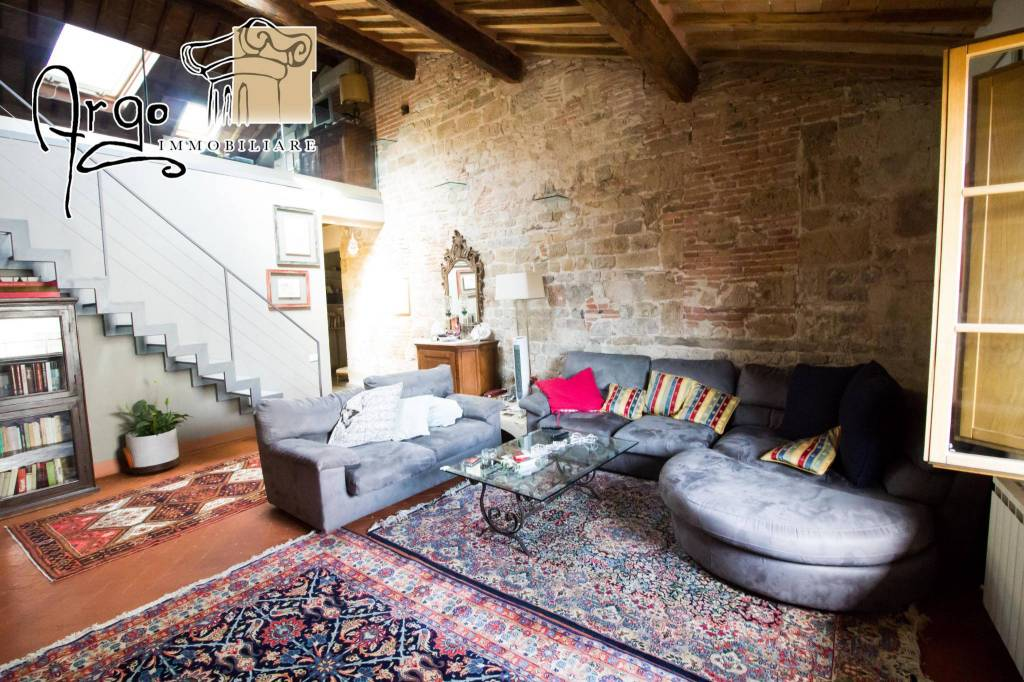 Appartamento in Affitto a Pisa Centro: 5 locali, 200 mq