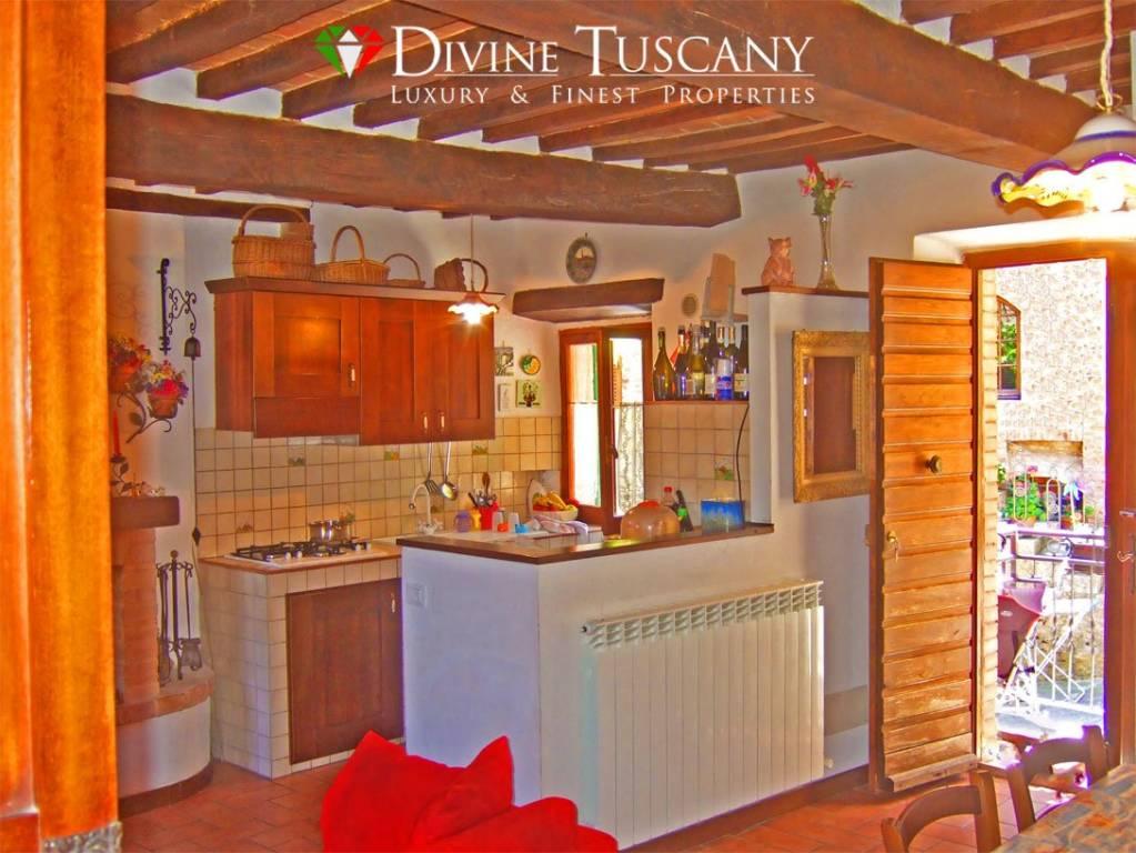 Appartamento in ottime condizioni arredato in vendita Rif. 4200634