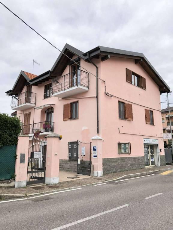 Appartamento in vendita a Cantello, 4 locali, prezzo € 185.000 | CambioCasa.it