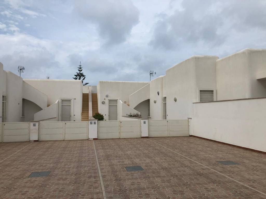 Villetta in Vendita a Taviano Centro: 3 locali, 85 mq