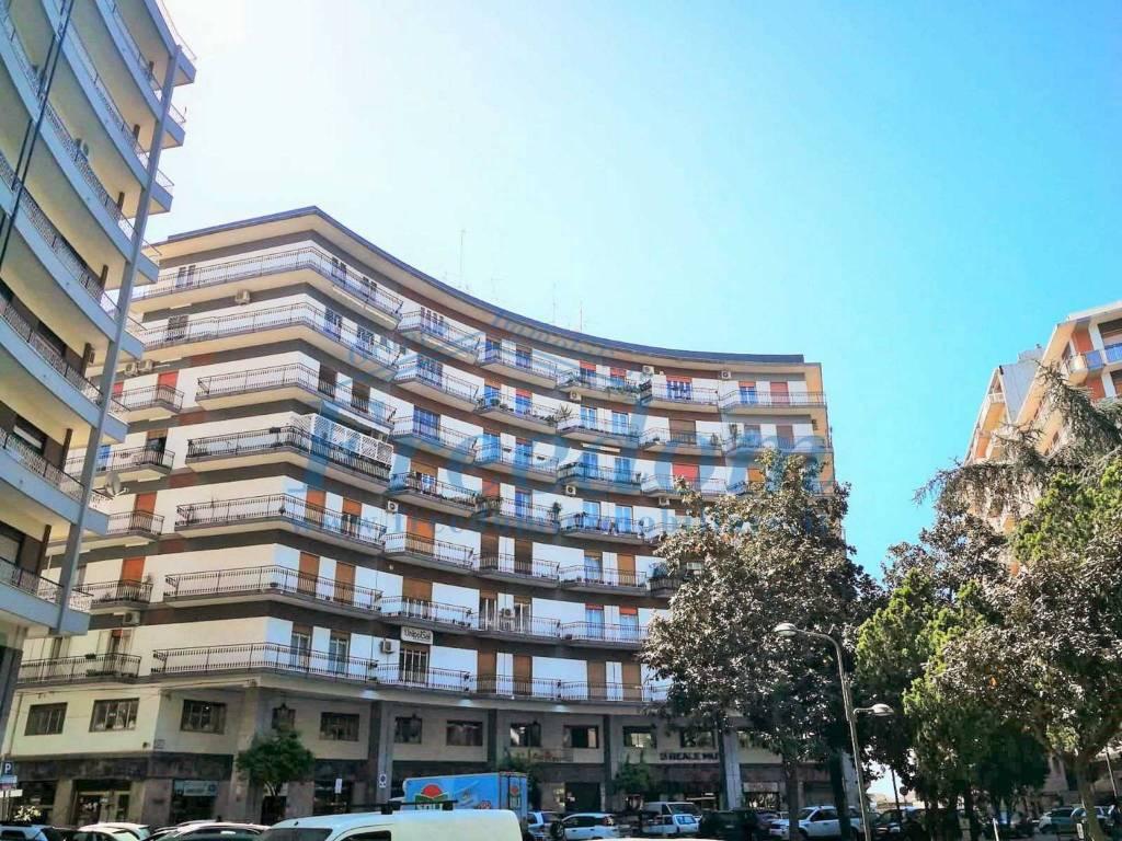 Appartamento in Vendita a Acireale Centro: 4 locali, 115 mq
