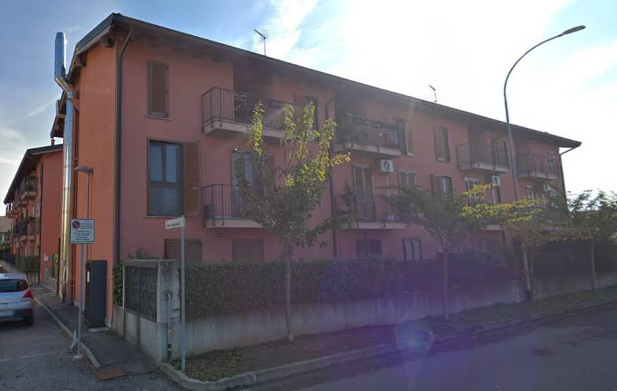 Appartamento in buone condizioni in vendita Rif. 9448067