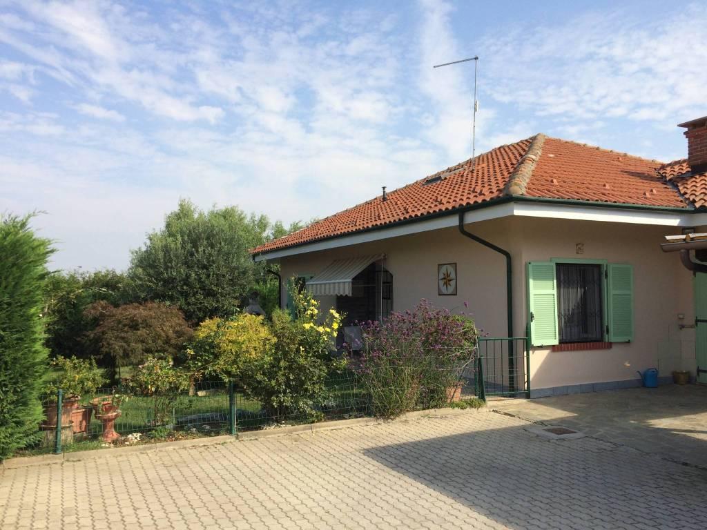 Villa in vendita a Cellarengo, 5 locali, prezzo € 160.000 | PortaleAgenzieImmobiliari.it