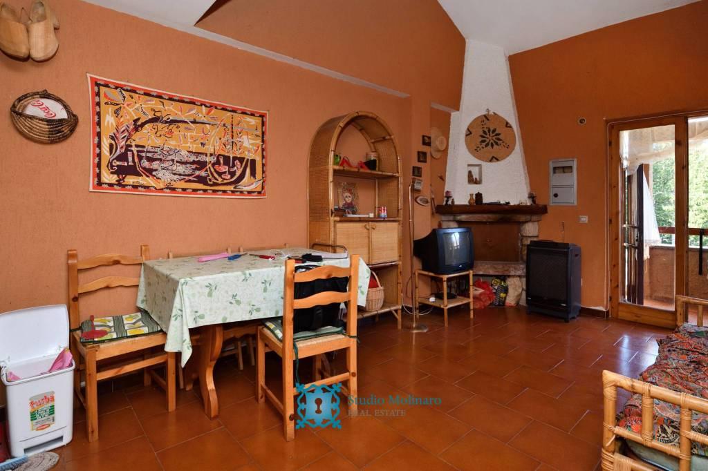 Appartamento in vendita a Leonessa, 3 locali, prezzo € 50.000 | CambioCasa.it