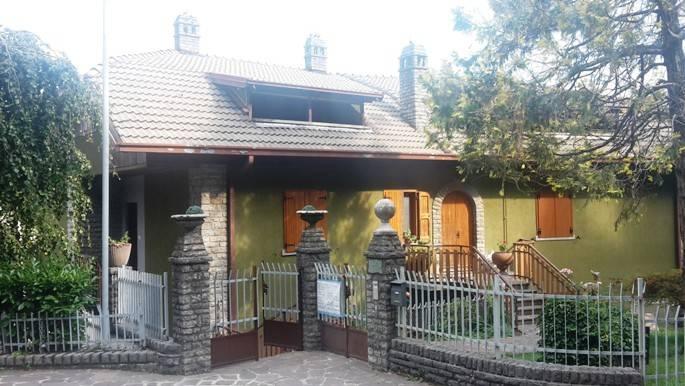 Appartamento in vendita a Rota d'Imagna, 3 locali, prezzo € 79.000 | PortaleAgenzieImmobiliari.it