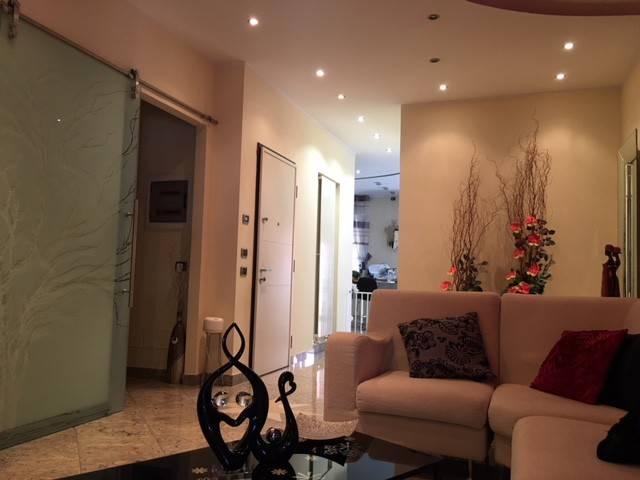 Appartamento in Vendita a Piacenza: 5 locali, 183 mq