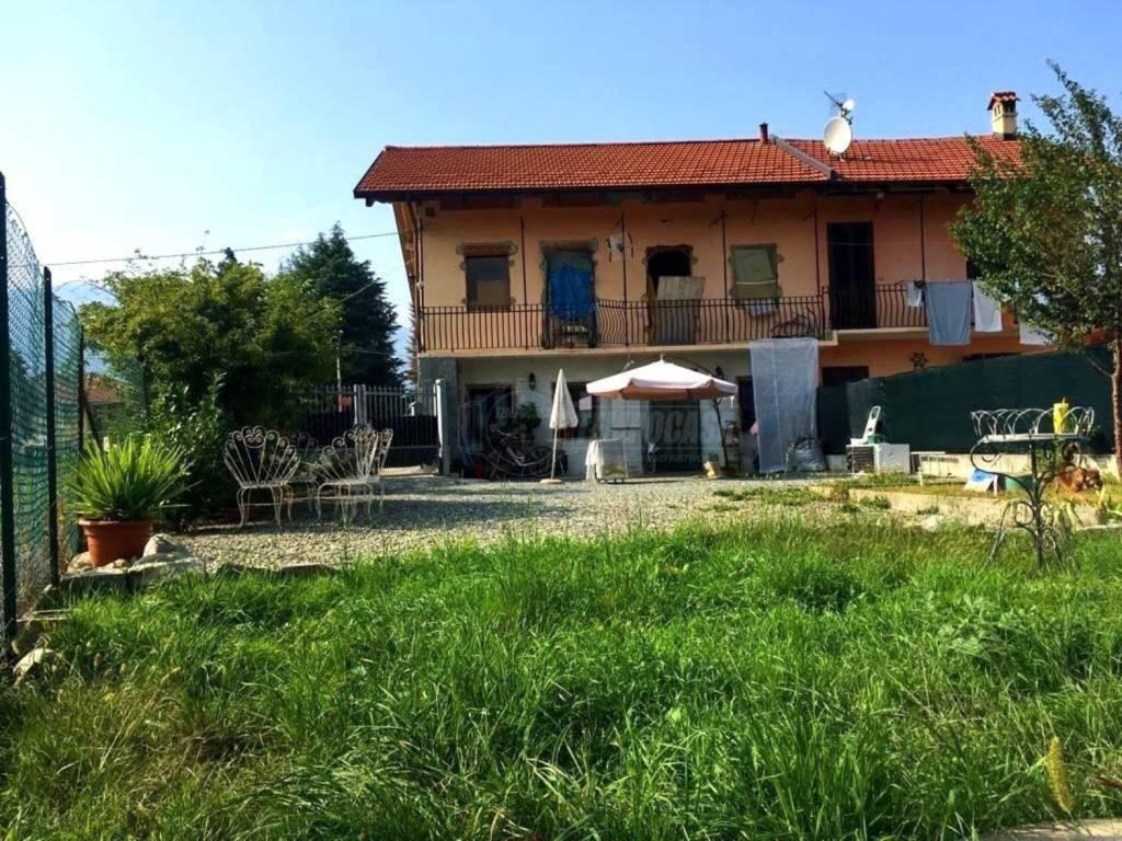 Foto 1 di Casa indipendente strada Villapet, Villanova Canavese