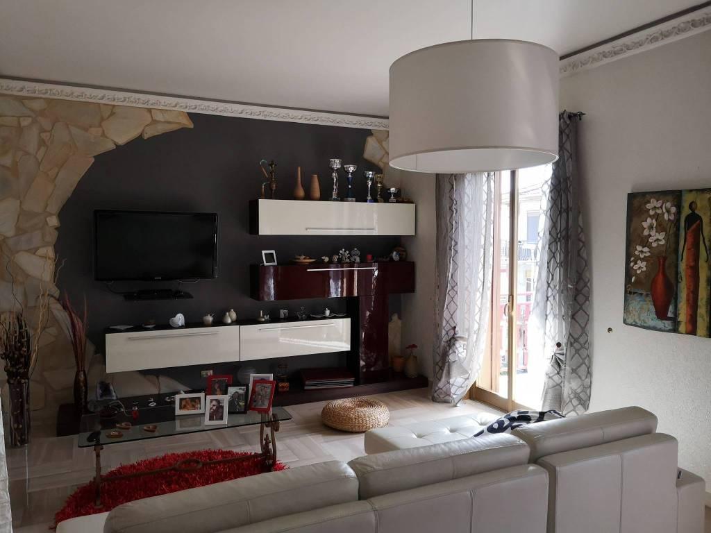 Foto 1 di Appartamento via del Mandorlo 64, Misterbianco