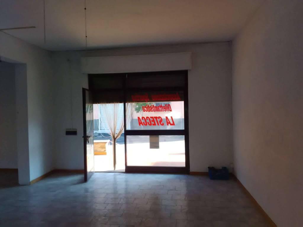 Negozio / Locale in affitto a Vetralla, 9999 locali, prezzo € 600 | CambioCasa.it