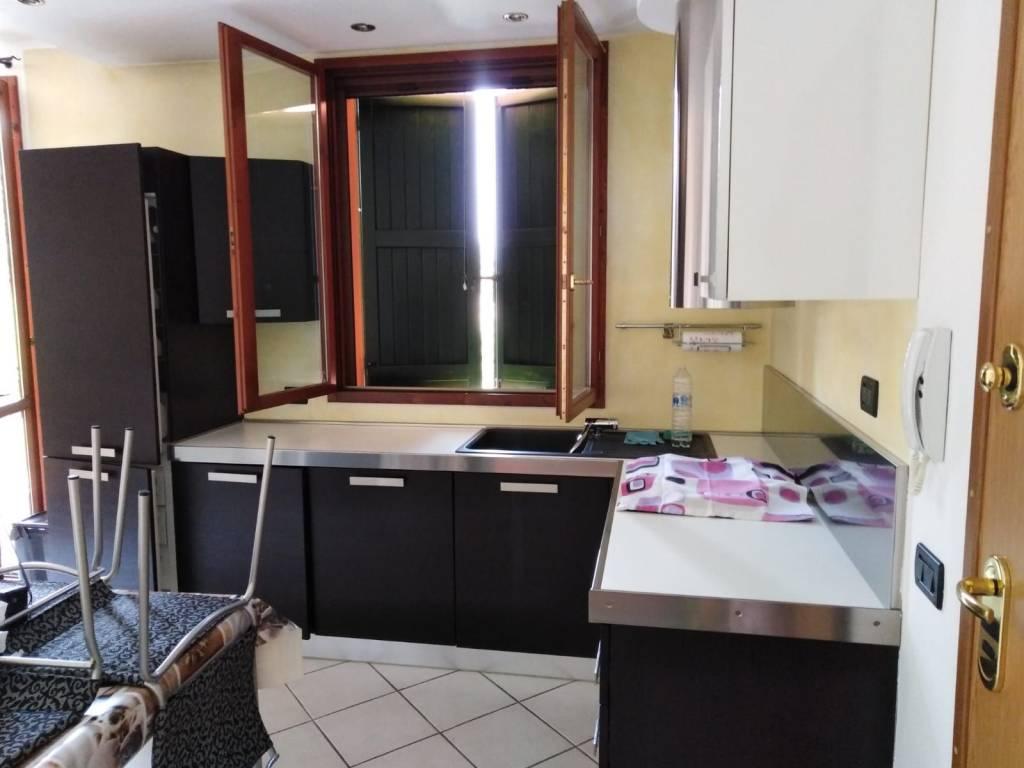 Appartamento in Affitto a Correggio: 3 locali, 70 mq