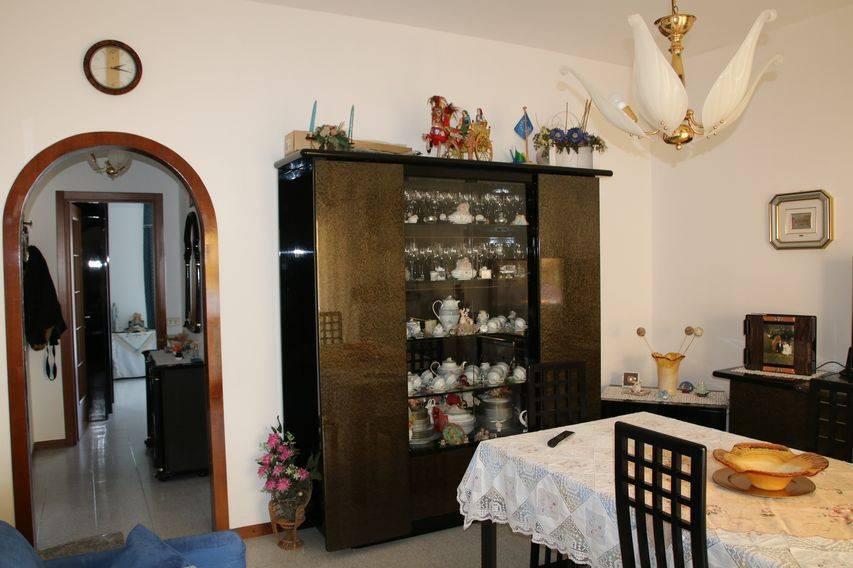 Appartamento in vendita a Turate, 4 locali, prezzo € 143.000 | PortaleAgenzieImmobiliari.it
