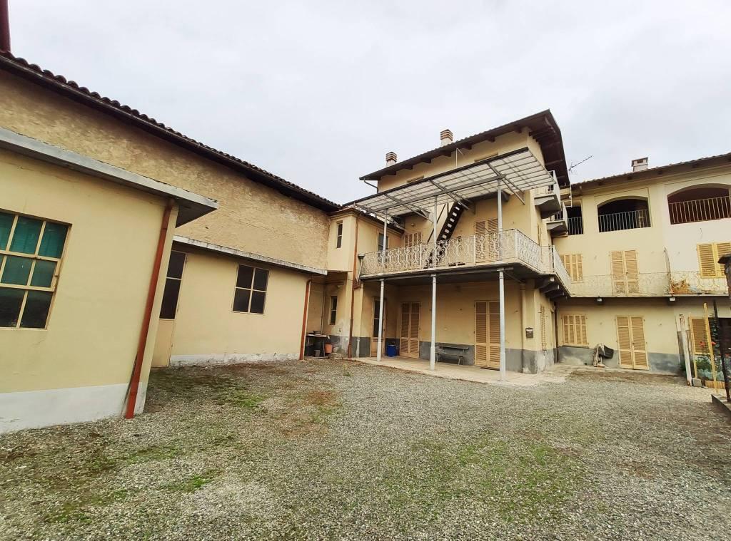 Foto 1 di Rustico / Casale via Torino 30, Balangero