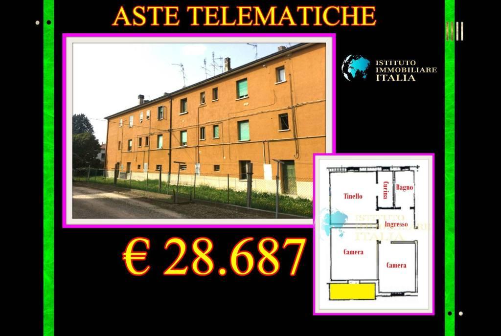 Appartamento in buone condizioni in vendita Rif. 9052840