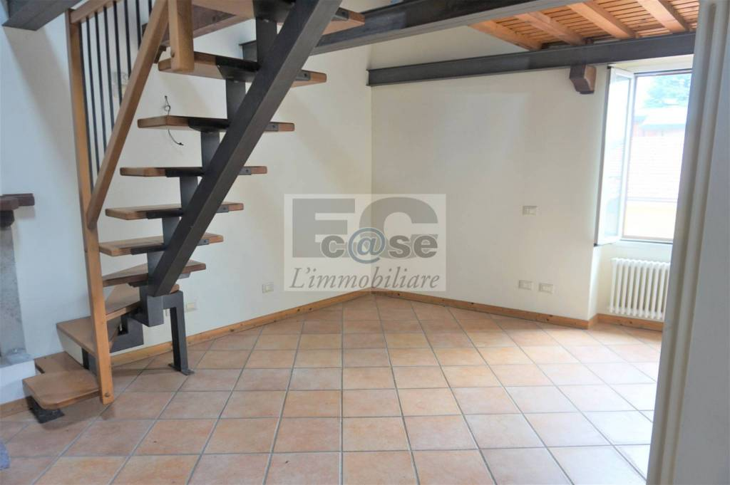 Appartamento in vendita piazza San Francesco Besana in Brianza