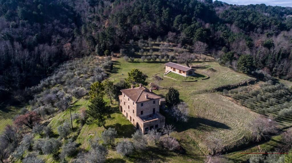 Rustico / Casale da ristrutturare in vendita Rif. 5539614