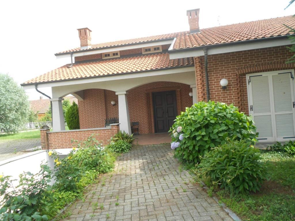Foto 1 di Villa via Buriasco, Scalenghe
