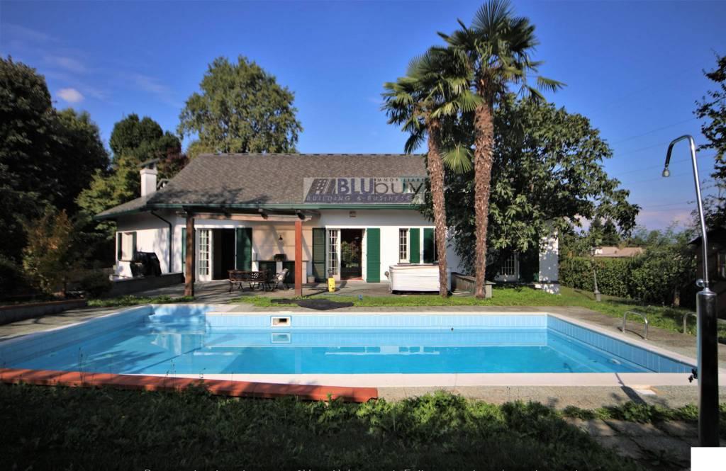 Villa in vendita a Guanzate, 6 locali, prezzo € 980.000 | PortaleAgenzieImmobiliari.it