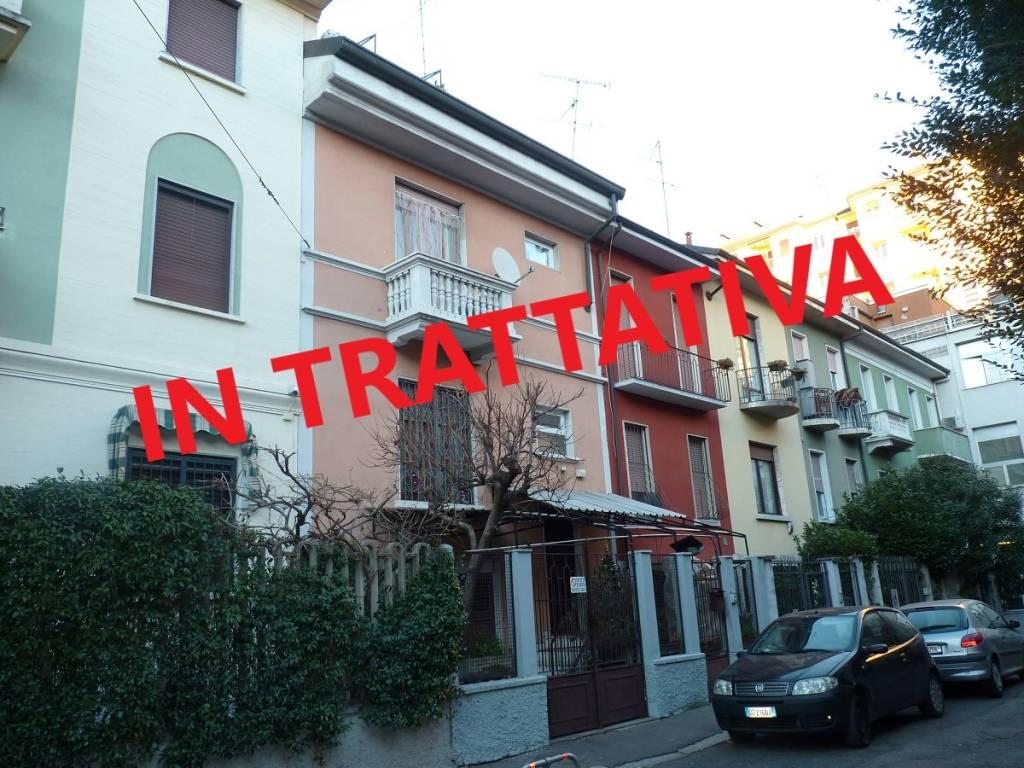 Villetta a schiera in buone condizioni in vendita Rif. 9124294