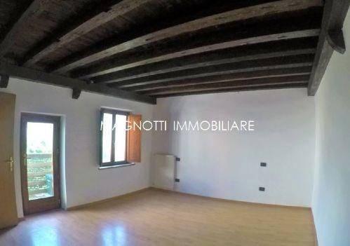 Appartamento in vendita a Codroipo, 4 locali, prezzo € 43.000 | CambioCasa.it