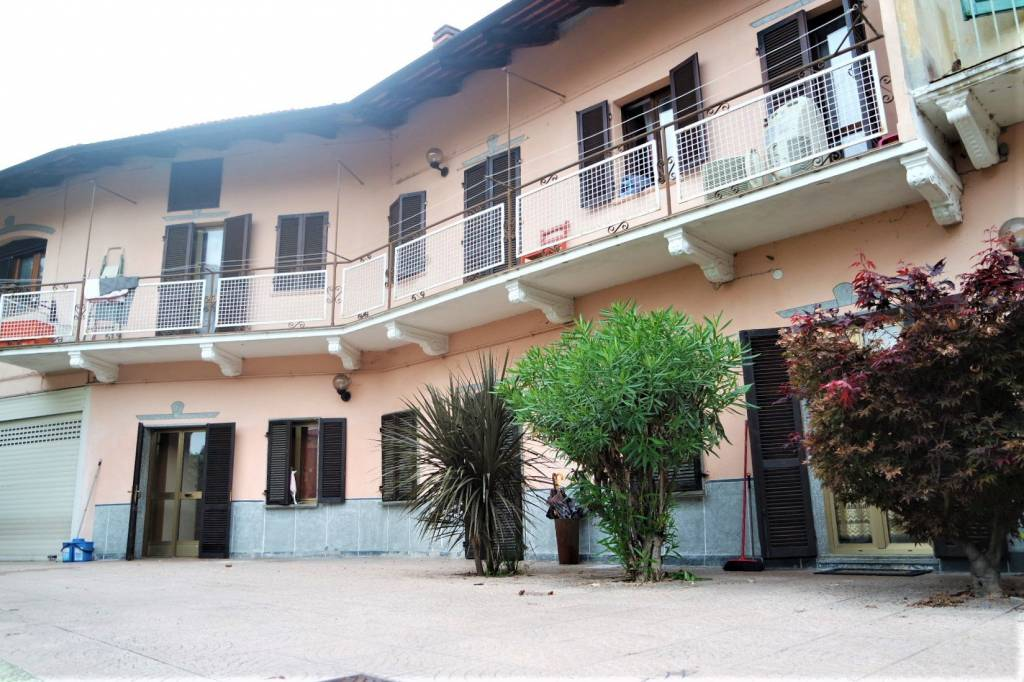 Foto 1 di Casa indipendente via Colonnello Bettoia, Caluso