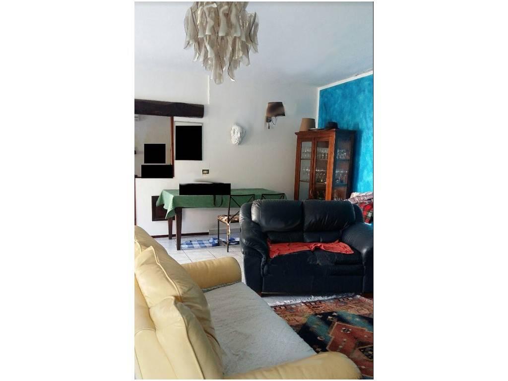 Soluzione Indipendente in vendita a Maglione, 5 locali, prezzo € 57.000   CambioCasa.it