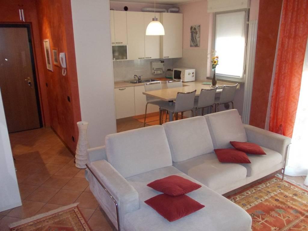 Appartamento in vendita a Ronco Briantino, 2 locali, prezzo € 85.000 | CambioCasa.it