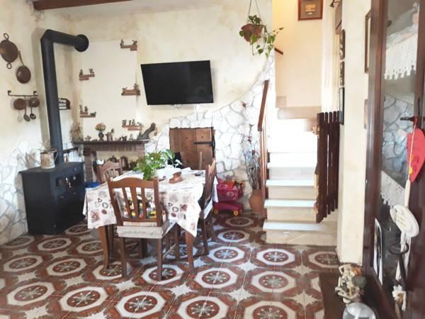 Villa a Ladispoli in Vendita