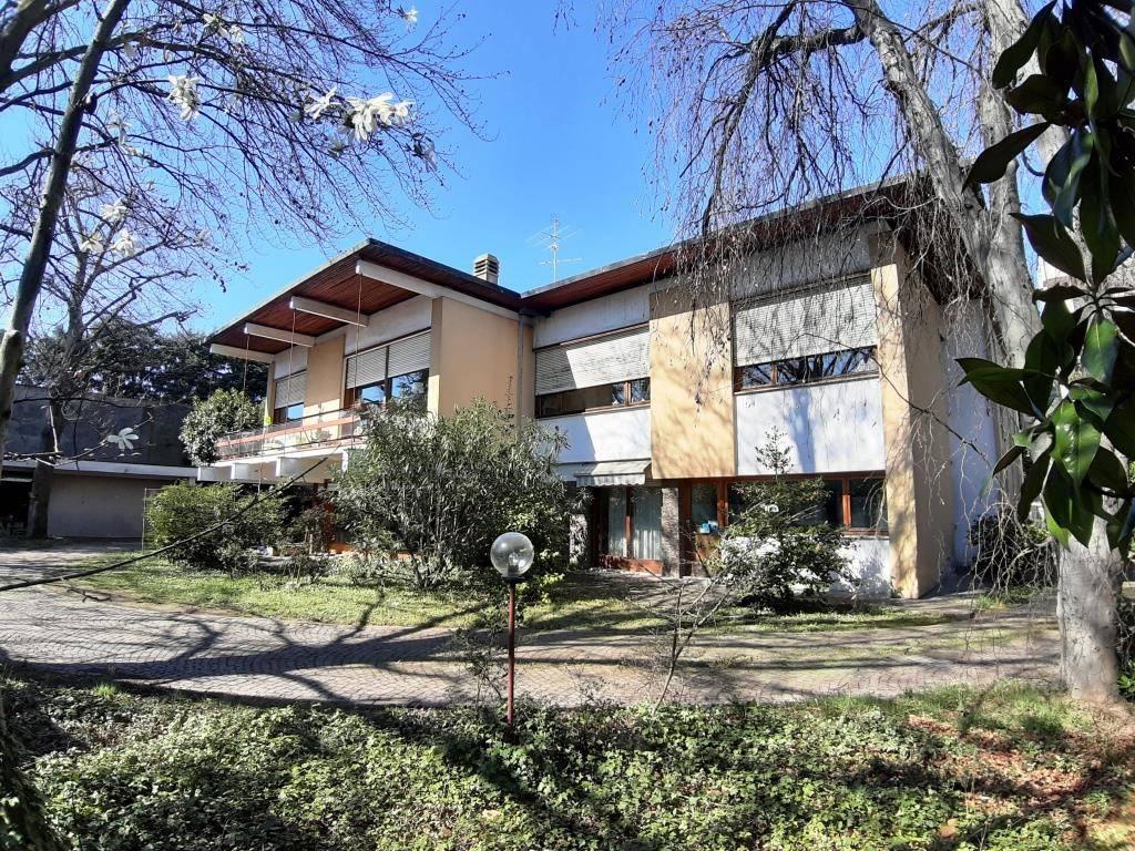 Villa in Vendita a Turbigo