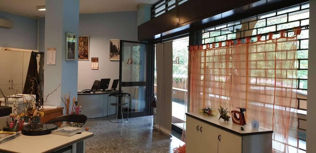 Negozio / Locale in vendita a Peschiera Borromeo, 9999 locali, prezzo € 80.000 | CambioCasa.it