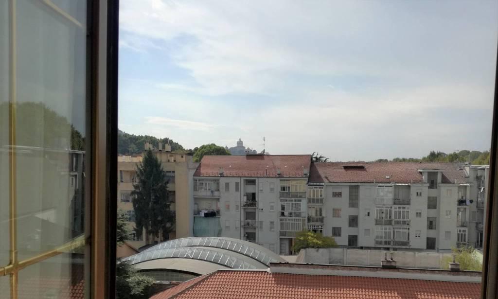 Foto 1 di Appartamento corso Gabetti, Torino (zona Precollina, Collina)
