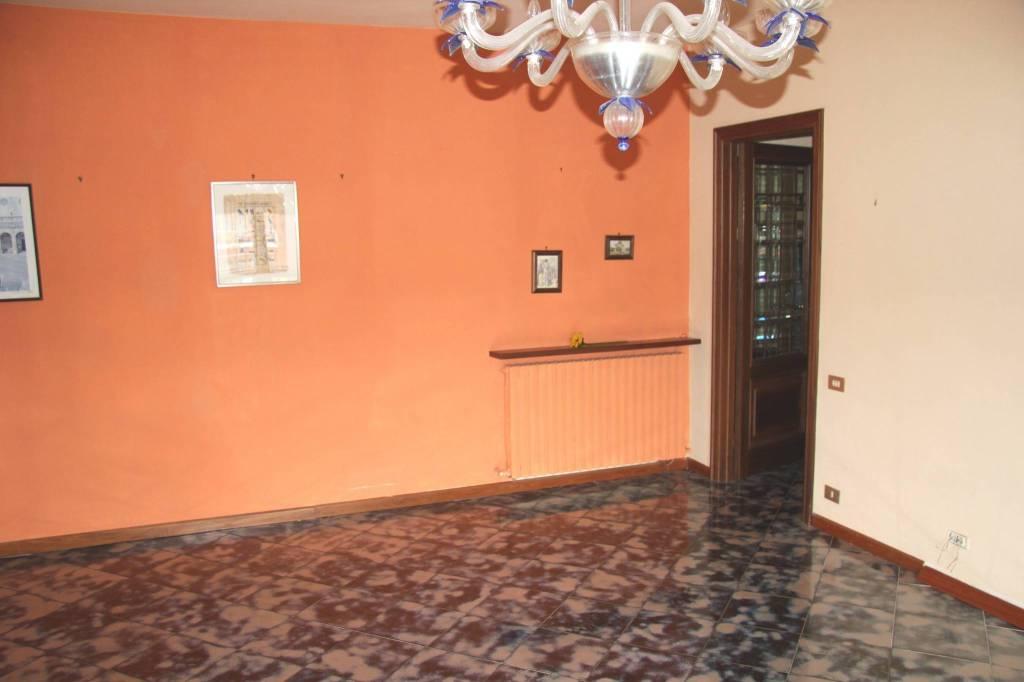 Appartamento in vendita a Spoleto, 4 locali, prezzo € 120.000 | PortaleAgenzieImmobiliari.it