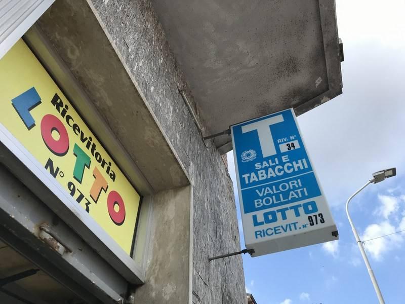 Tabacchi / Ricevitoria in vendita a Alessandria, 1 locali, prezzo € 165.000   CambioCasa.it