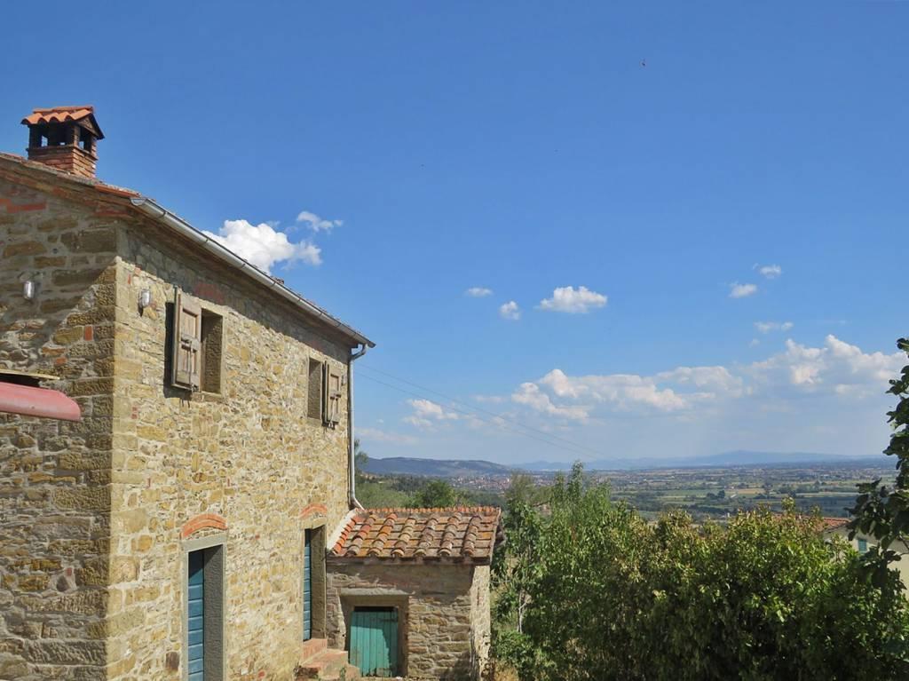 Rustico in Vendita a Castiglion Fiorentino Periferia: 4 locali, 100 mq