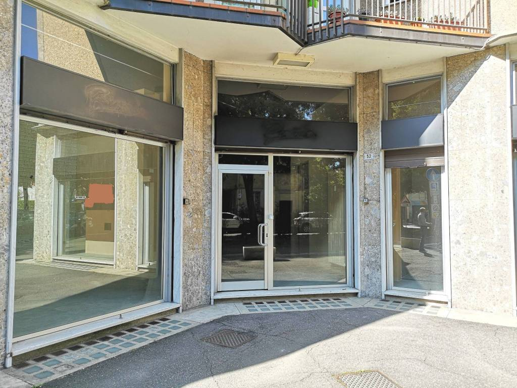 Negozio / Locale in vendita a Busto Arsizio, 6 locali, prezzo € 240.000 | PortaleAgenzieImmobiliari.it