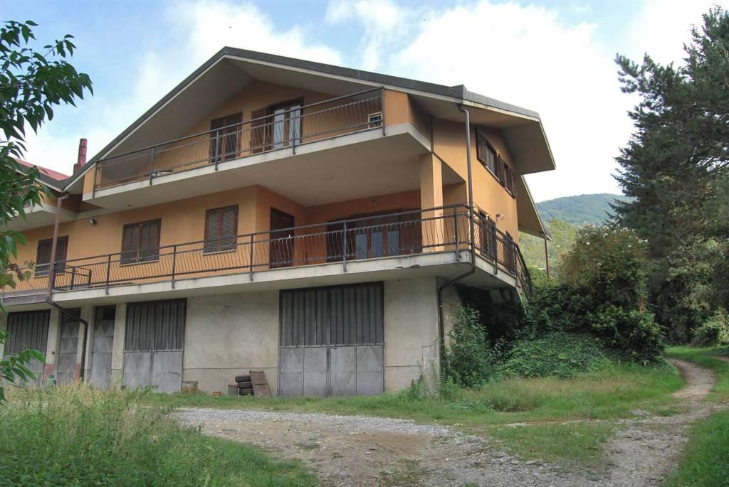 Foto 1 di Casa indipendente via Monte Rosa, Pinasca