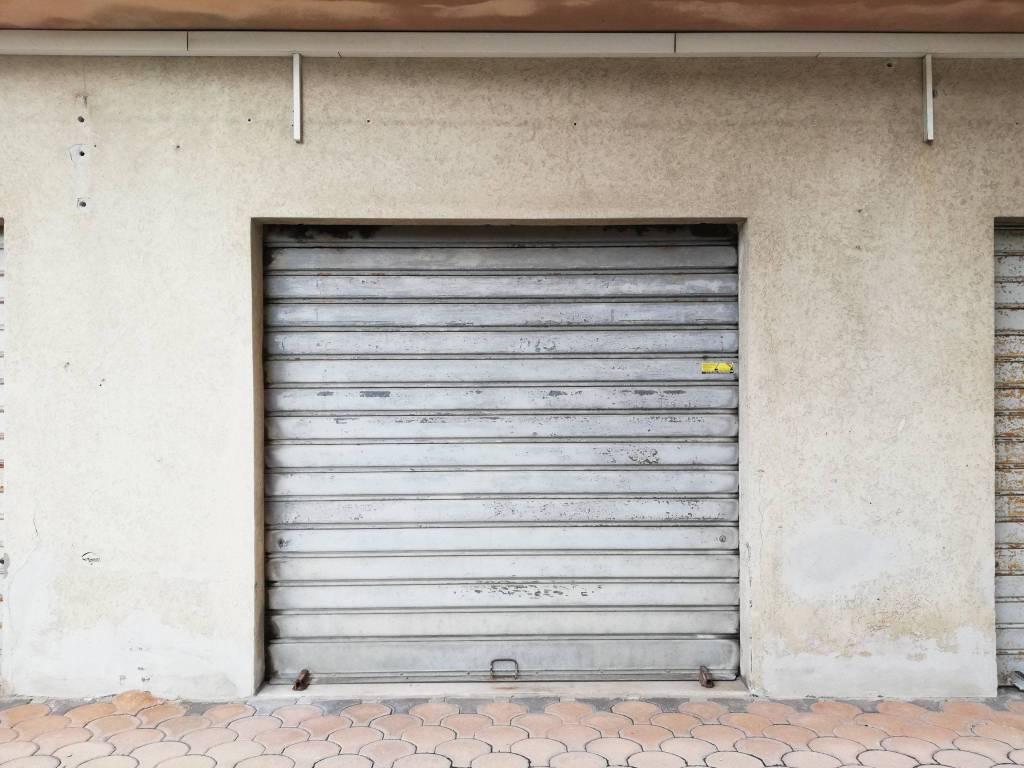 Box / Garage in vendita a Pescara, 9999 locali, Trattative riservate | CambioCasa.it