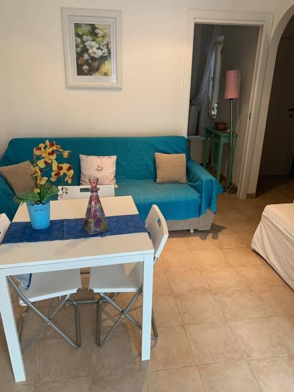 Appartamento in ottime condizioni parzialmente arredato in affitto Rif. 7797237