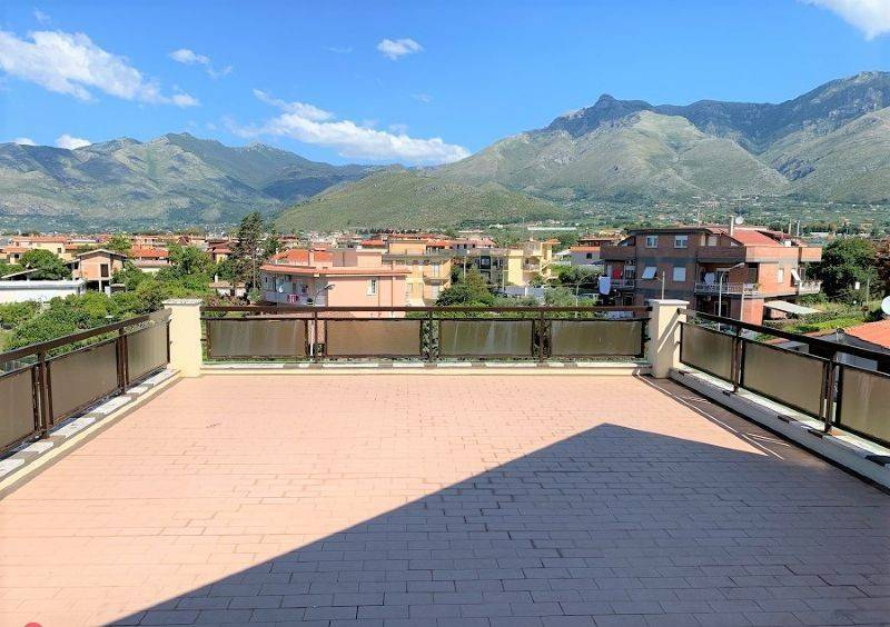 Foto 1 di Quadrilocale Gianola, Formia