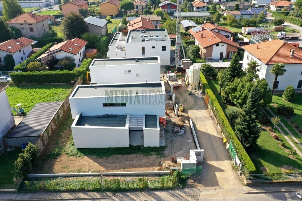 Villa in vendita a Lomazzo, 4 locali, prezzo € 398.000 | PortaleAgenzieImmobiliari.it