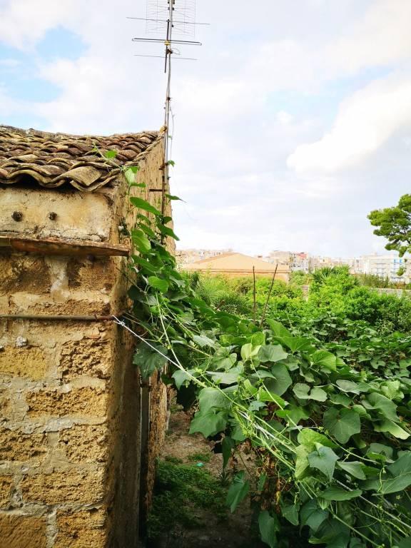 Villa in Vendita a Palermo Semicentro: 4 locali, 80 mq