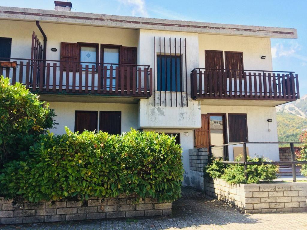 Appartamento in vendita a Ovindoli, 3 locali, prezzo € 130.000 | CambioCasa.it