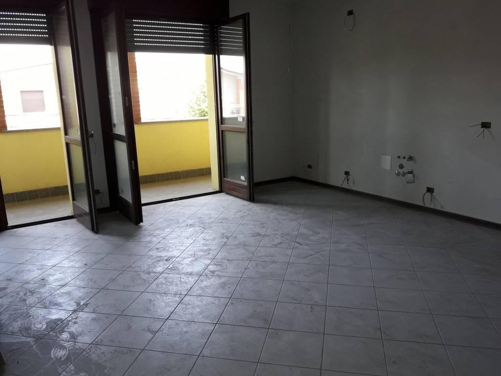 Appartamento in vendita a Solbiate Olona, 3 locali, prezzo € 119.000 | CambioCasa.it