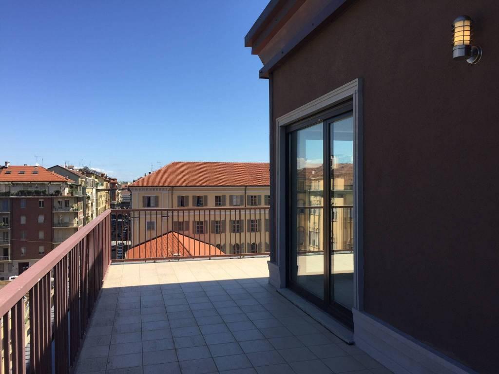 Foto 1 di Attico / Mansarda corso Palestro, Torino (zona Centro)