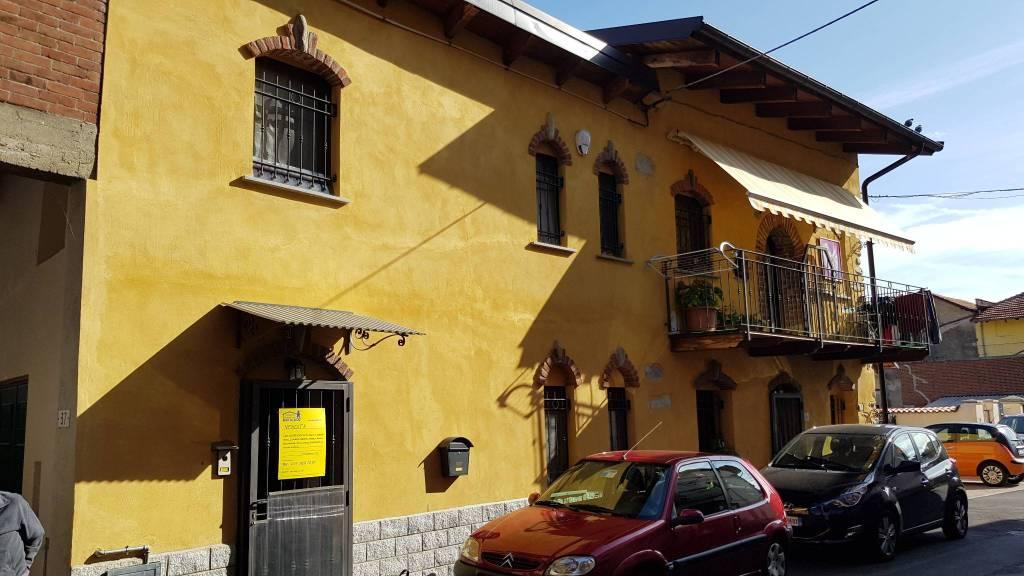 Foto 1 di Casa indipendente via Villa 39, Villanova Canavese